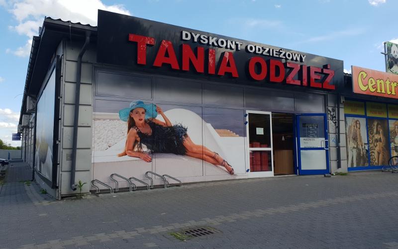 Łuków - Dyskont Odzieżowy Tania Odzież - ul. Międzyrzecka